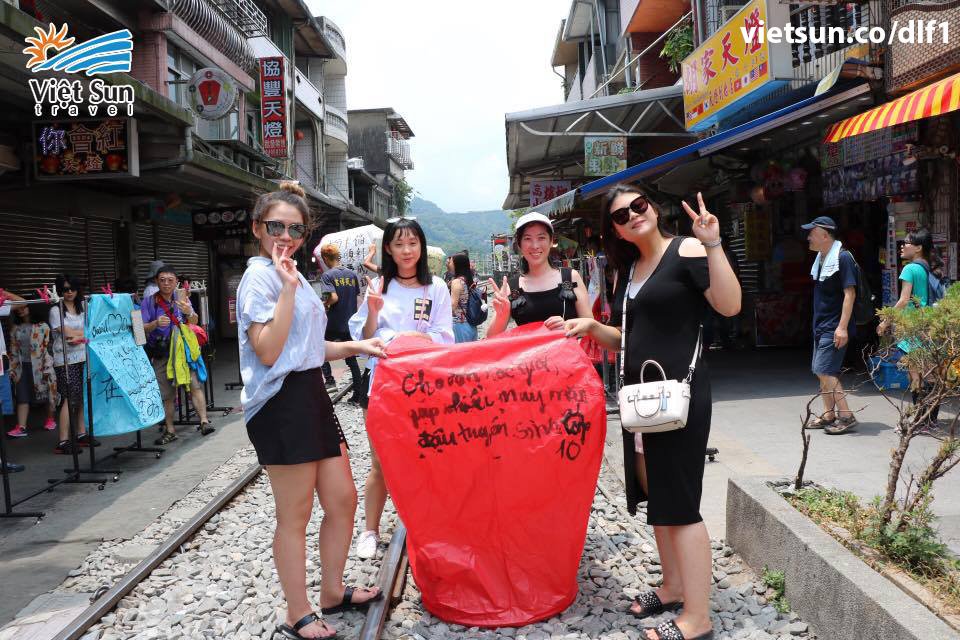 lang-co-thap-phan-viet-sun-travel
